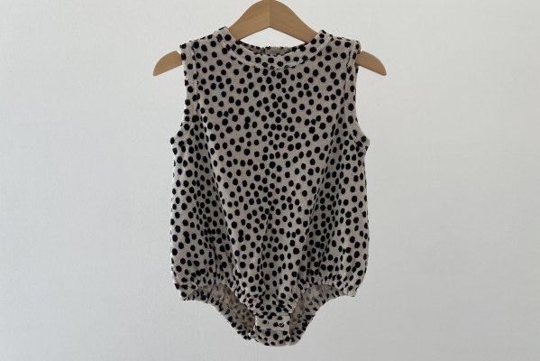 <img class='new_mark_img1' src='https://img.shop-pro.jp/img/new/icons14.gif' style='border:none;display:inline;margin:0px;padding:0px;width:auto;' />Another fox Dot Terry Towelling Baby Bodysuit