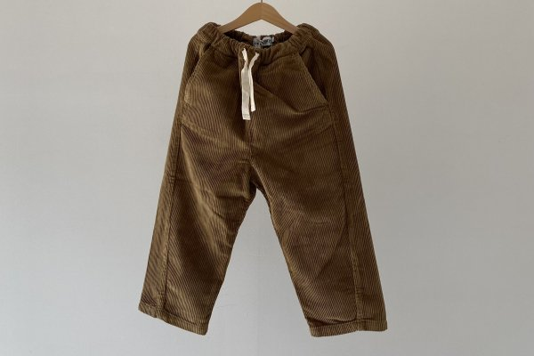 <img class='new_mark_img1' src='https://img.shop-pro.jp/img/new/icons14.gif' style='border:none;display:inline;margin:0px;padding:0px;width:auto;' />21AW Main Story Drawstring Pant - butternut