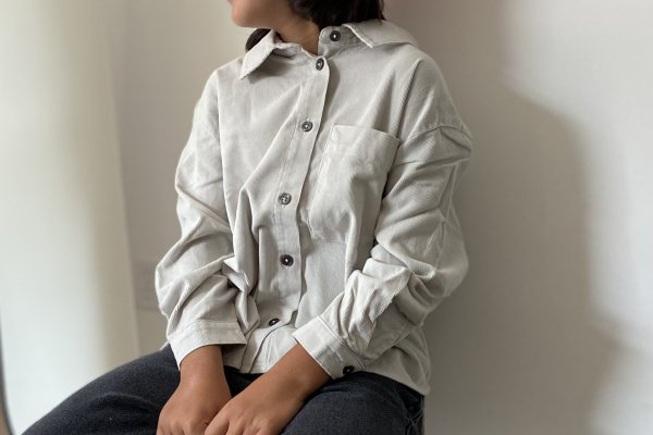 <img class='new_mark_img1' src='https://img.shop-pro.jp/img/new/icons14.gif' style='border:none;display:inline;margin:0px;padding:0px;width:auto;' />21AW Main Story Shirt - Silver Birch