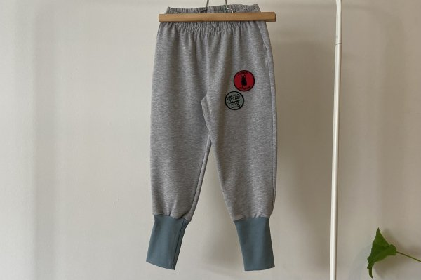 <img class='new_mark_img1' src='https://img.shop-pro.jp/img/new/icons14.gif' style='border:none;display:inline;margin:0px;padding:0px;width:auto;' />21AW  Patches Fleece Pants