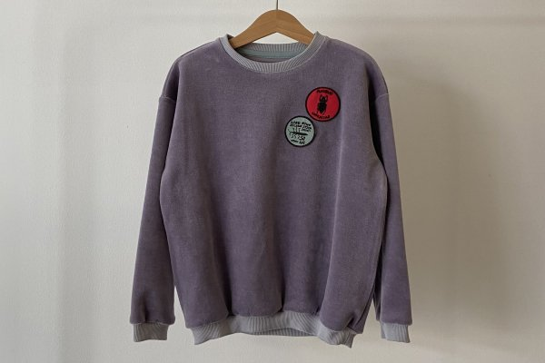 <img class='new_mark_img1' src='https://img.shop-pro.jp/img/new/icons14.gif' style='border:none;display:inline;margin:0px;padding:0px;width:auto;' />21AW afyny Patches Velvet Sweatshirt Purple