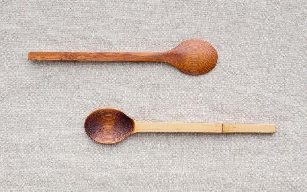 小さな竹のスプーン 拭き漆 生漆(茶) | 黒漆