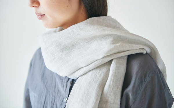 【sold out】enrica cottonsilk scarf lightgrey / natural dye