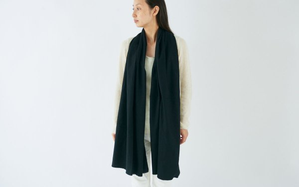 enrica cottonflannel scarf / black (botanical dye)