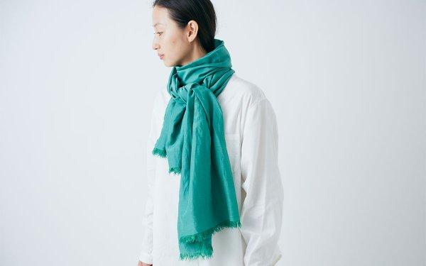 【再入荷】enrica cottonsilk scarf gardenia green / botanical dye