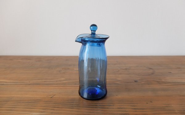 吹きガラスの蓋付きピッチャー(ブルー)