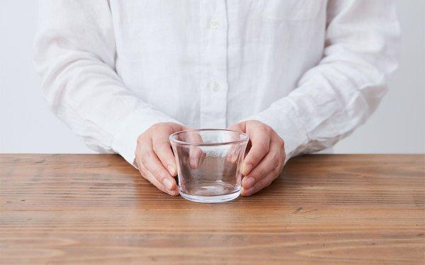 吹きガラスのカップ 80/75