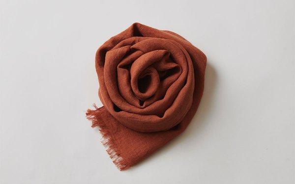 【new】enrica linen scarf teracotta / natural dye