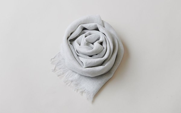 【new】enrica linen scarf light grey / 墨染め