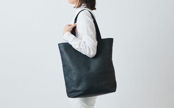 leather totebag black <L>