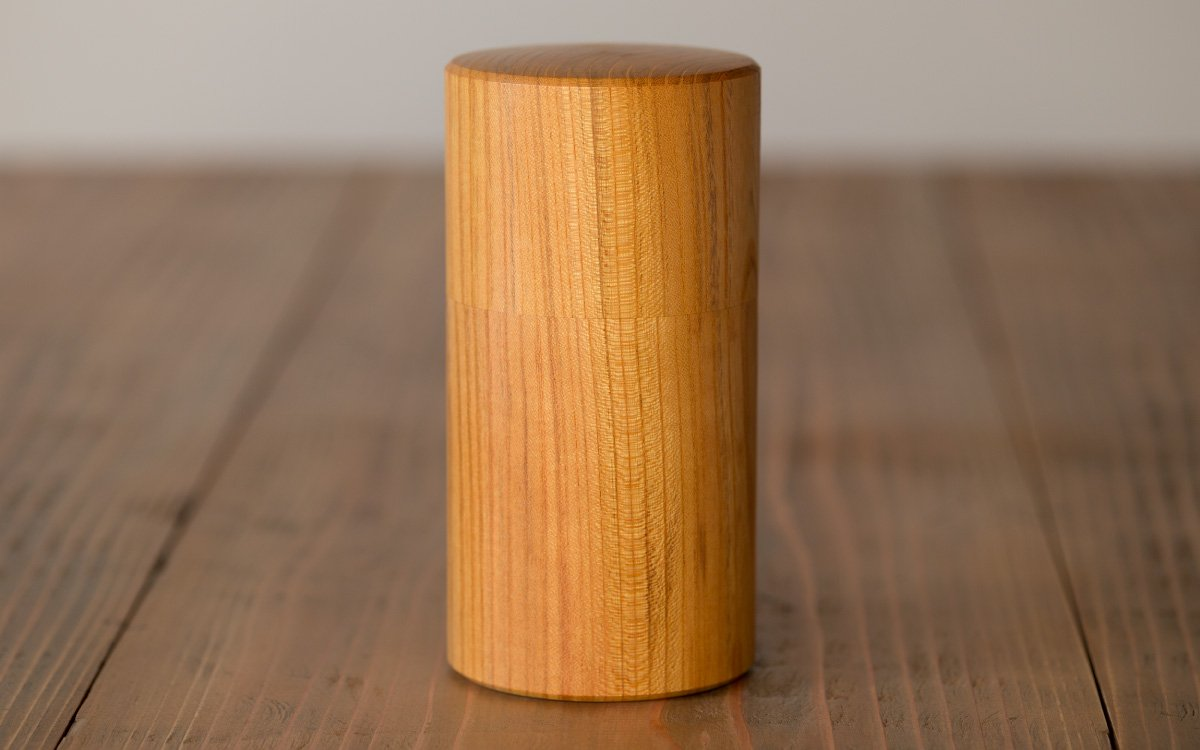 欅の木の茶筒