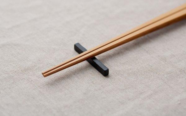 鉄の箸置き