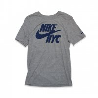 NIKE -S/S T-SHIRT NYC(GRAY)<img class='new_mark_img2' src='https://img.shop-pro.jp/img/new/icons5.gif' style='border:none;display:inline;margin:0px;padding:0px;width:auto;' />