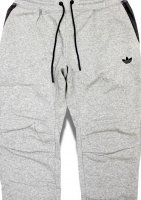 adidas -SWEAT PANTS(GRAY)<img class='new_mark_img2' src='//img.shop-pro.jp/img/new/icons5.gif' style='border:none;display:inline;margin:0px;padding:0px;width:auto;' />