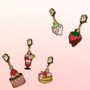 <img class='new_mark_img1' src='https://img.shop-pro.jp/img/new/icons14.gif' style='border:none;display:inline;margin:0px;padding:0px;width:auto;' />Strawberry Charm Collection🍓