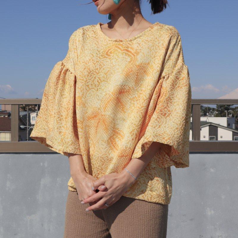 絞りの羽織から作ったフリル袖ブラウス(オレンジ・M)