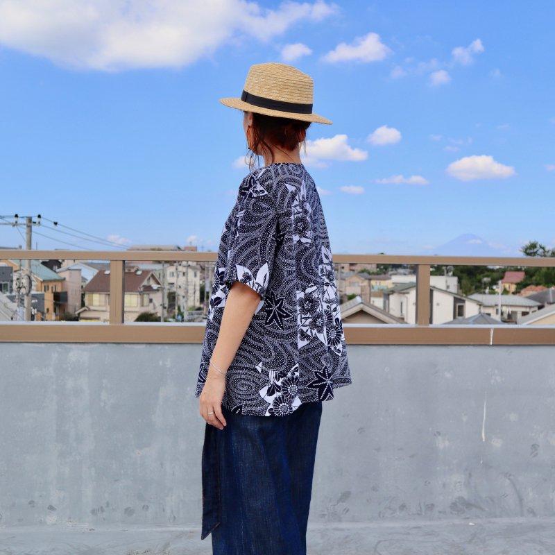 浴衣のビッグTシャツブラウス(キキョウと渦巻き・M)