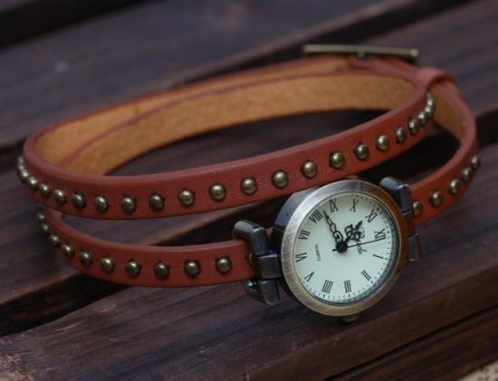 日本未上陸Badeのアンティーク調レザーブレスレット腕時計(キャメル)