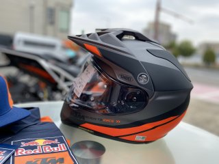 【KTM限定モデル】SHOEI HORNET ADVヘルメット<img class='new_mark_img2' src='//img.shop-pro.jp/img/new/icons6.gif' style='border:none;display:inline;margin:0px;padding:0px;width:auto;' />