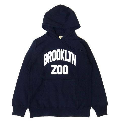 <img class='new_mark_img1' src='https://img.shop-pro.jp/img/new/icons50.gif' style='border:none;display:inline;margin:0px;padding:0px;width:auto;' />PROPS STORE BROOKLYN ZOO SWEAT HOODIE NAVY
