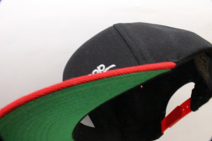 SNAPBACK 2tone CAP[Black/Red]