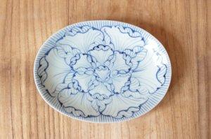 楕円皿(中)染付花弁紋