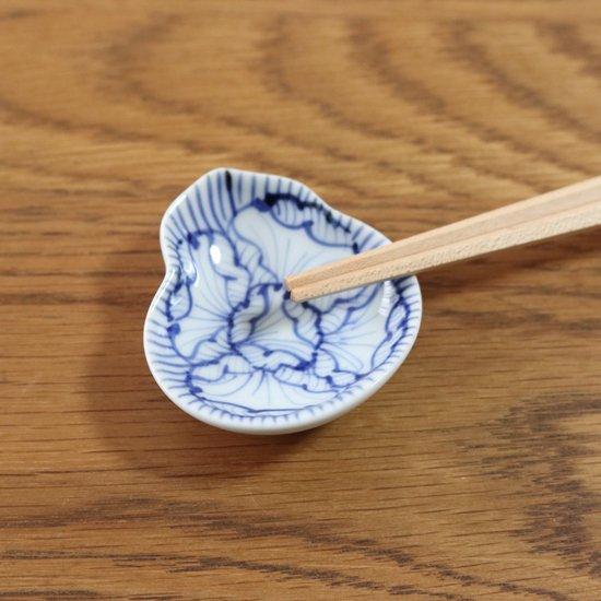 瓢型豆皿 染付花弁紋