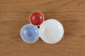 花型三種皿 染朱濃淡