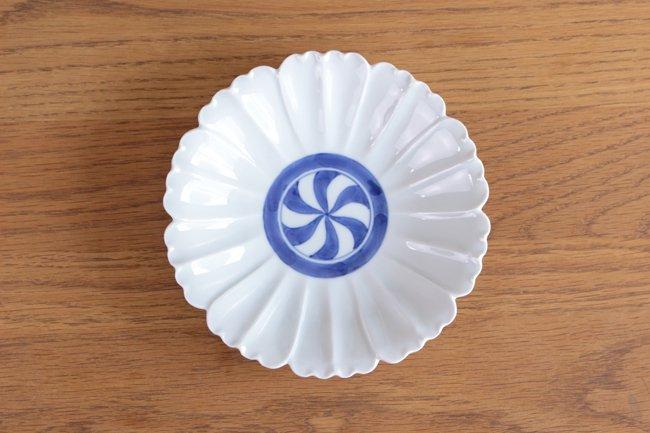 花型5.5寸皿 染付見込渦紋 - カネアオ
