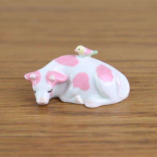 牛の置物(いちごみるくA)