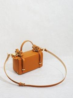 niels peeraer ニールス  ペラール WINGED BAG(caramel)★sale