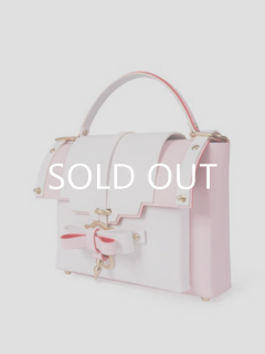 niels peeraer ニールス ペラール BOW BUCKLE BAG  Msize two-tone color(white&pink)