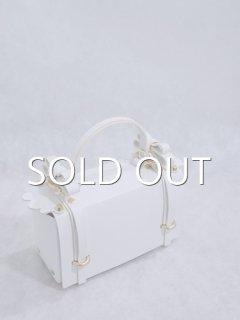 niels peeraer ニールス  ペラール WINGED BAG (white)