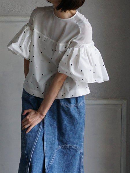 akira naka dots blouse