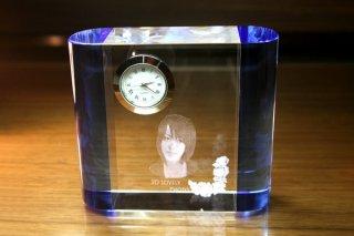 【GLASS CLOCK】サイドカラークロック(透明色(側面:ブルー)) 置き時計 ガラス時計(ガラス製)・I044BL