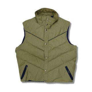 [USED] WOOLRICH DOWN VEST DESIGNED IN RIB