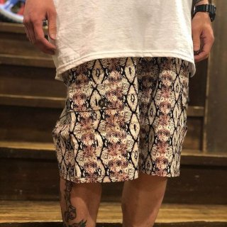 <img class='new_mark_img1' src='https://img.shop-pro.jp/img/new/icons1.gif' style='border:none;display:inline;margin:0px;padding:0px;width:auto;' />【LEFLAH】snake cargo short pants(RED)
