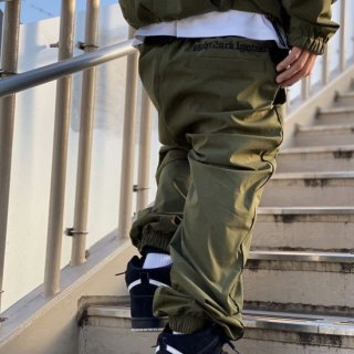 <img class='new_mark_img1' src='https://img.shop-pro.jp/img/new/icons1.gif' style='border:none;display:inline;margin:0px;padding:0px;width:auto;' />【LEFLAH】stretch nylon jogger pants(KAH)