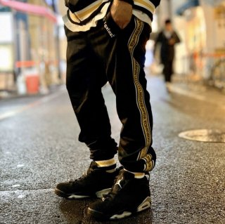 <img class='new_mark_img1' src='https://img.shop-pro.jp/img/new/icons1.gif' style='border:none;display:inline;margin:0px;padding:0px;width:auto;' />【LEFLAH】line jersey pants(BLK)