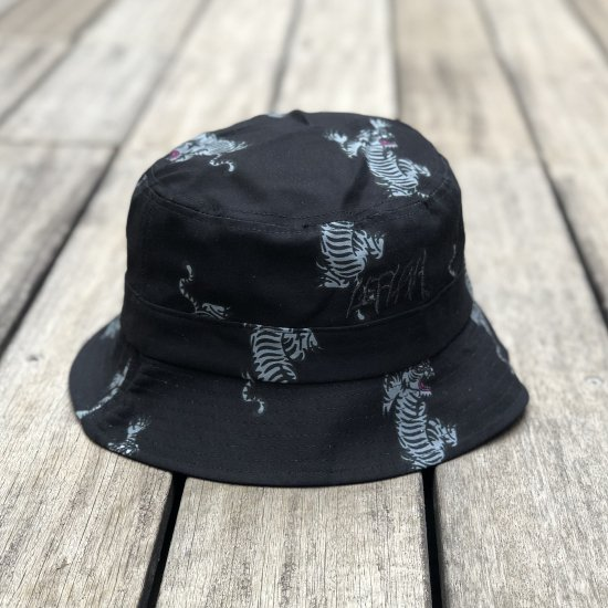 <img class='new_mark_img1' src='https://img.shop-pro.jp/img/new/icons1.gif' style='border:none;display:inline;margin:0px;padding:0px;width:auto;' />【LEFLAH】tiger pattern bucket hat(GRY)