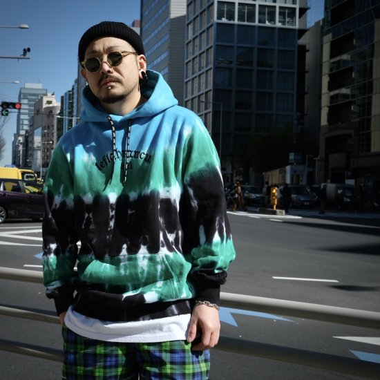 <img class='new_mark_img1' src='https://img.shop-pro.jp/img/new/icons1.gif' style='border:none;display:inline;margin:0px;padding:0px;width:auto;' />【LEFLAH】all day tie-dye parka (BLU)