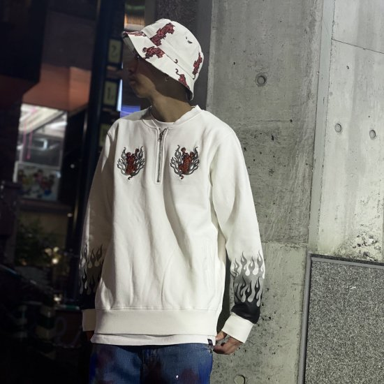 <img class='new_mark_img1' src='https://img.shop-pro.jp/img/new/icons1.gif' style='border:none;display:inline;margin:0px;padding:0px;width:auto;' />【LEFLAH】tiger half zip sweat (WHT)