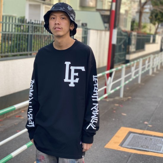 <img class='new_mark_img1' src='https://img.shop-pro.jp/img/new/icons1.gif' style='border:none;display:inline;margin:0px;padding:0px;width:auto;' />【LEFLAH】team logo long tee(BLK)