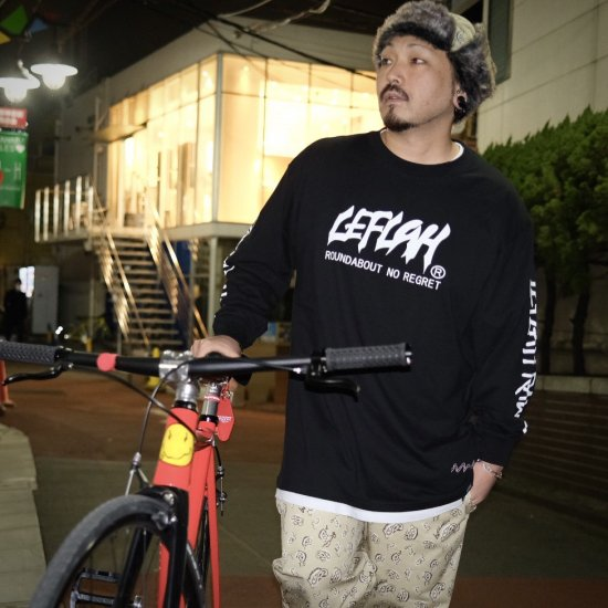 <img class='new_mark_img1' src='https://img.shop-pro.jp/img/new/icons1.gif' style='border:none;display:inline;margin:0px;padding:0px;width:auto;' />【LEFLAH】main logo long tee(BLK)