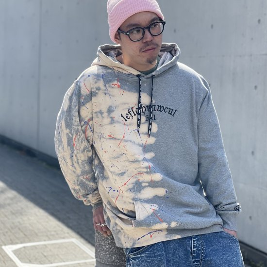 <img class='new_mark_img1' src='https://img.shop-pro.jp/img/new/icons1.gif' style='border:none;display:inline;margin:0px;padding:0px;width:auto;' />【LEFLAH】half applied parka(GRY)※マスクストラップ付き