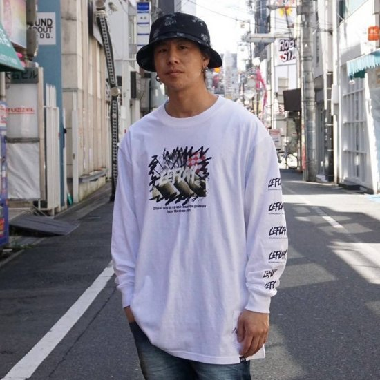 <img class='new_mark_img1' src='https://img.shop-pro.jp/img/new/icons1.gif' style='border:none;display:inline;margin:0px;padding:0px;width:auto;' />【LEFLAH】same start long tee (WHT)