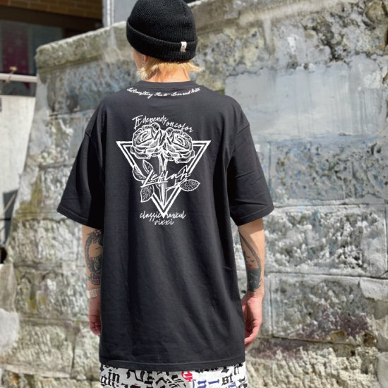 <img class='new_mark_img1' src='https://img.shop-pro.jp/img/new/icons1.gif' style='border:none;display:inline;margin:0px;padding:0px;width:auto;' />【LEFLAH】friends tee(BLK)