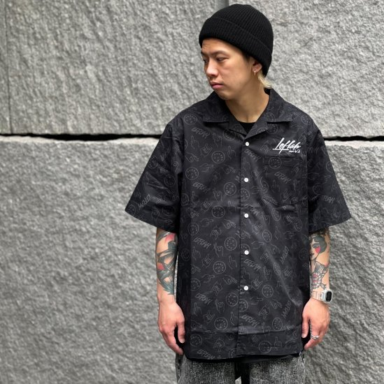 <img class='new_mark_img1' src='https://img.shop-pro.jp/img/new/icons1.gif' style='border:none;display:inline;margin:0px;padding:0px;width:auto;' />【LEFLAH】hand sign pattern open collar shirt (BLK)