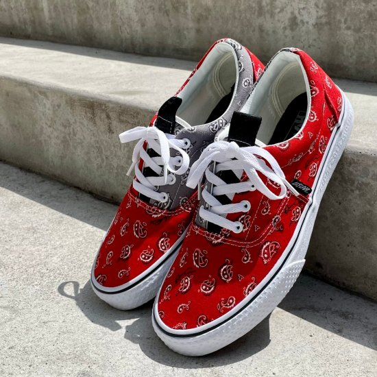 <img class='new_mark_img1' src='https://img.shop-pro.jp/img/new/icons1.gif' style='border:none;display:inline;margin:0px;padding:0px;width:auto;' />【LEFLAH】 original paisley sneaker (RED)