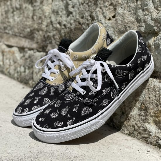 <img class='new_mark_img1' src='https://img.shop-pro.jp/img/new/icons1.gif' style='border:none;display:inline;margin:0px;padding:0px;width:auto;' />【LEFLAH】 original paisley sneaker (BLK)